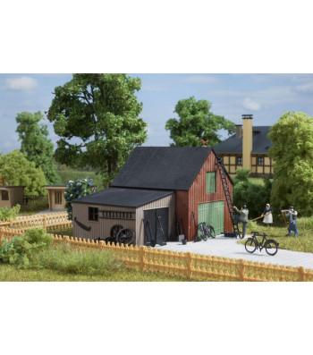 Warehouse with garage H0 (70 x 53 x 62 mm;58 x 39 x 33 mm)