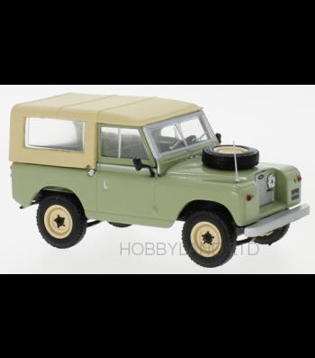 Land Rover 88 Serie II, light green/beige, 1961