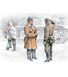 1:35 Red Army Infantry (1939-1942) (3 figures - officer, 2 soldiers)