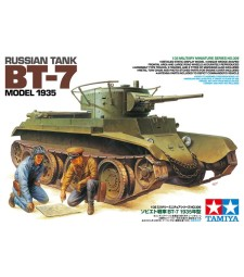 1:35 Russian Tank BT-7 Model 1935 - 2 figures