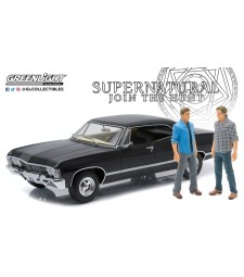 Artisan Collection - Supernatural (TV Series 2005-) 1967 Chevrolet Impala Sport Sedan with Sam and Dean Figures