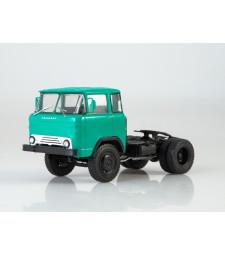 "KAZ-608 ""Kolhida"" tractor truck"