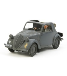1:35 Simca 5 Staff Car - 1 figure
