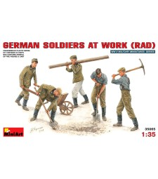 1:35 German Soldiers at work (RAD) - 5 figures