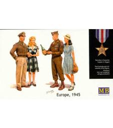 1:35 Europe, 1945 - 4 figures