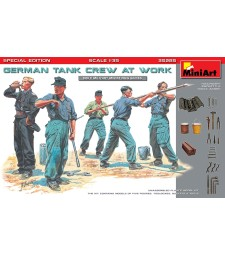 1:35 German Tank Crew at Work. Special Edition - 5 figures