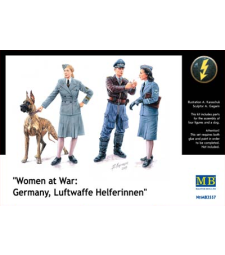 1:35 Women at War: Germany, Luftwaffe Helferinnen - 3 figures