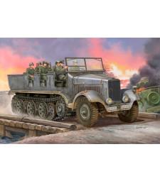 1:35 German Sd.Kfz.6 Halbkettenzugmaschine Artillerieausfuhru