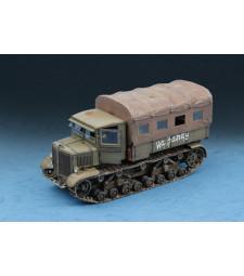 1:72 Soviet Voroshilovets Tractor