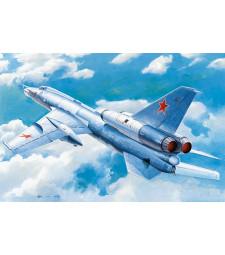 "1:72 Soviet Tu-22 ""Blinder"" tactical bomber"