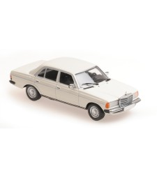 MERCEDES-BENZ (W123) 230E - 1982 - WHITE - MAXICHAMPS