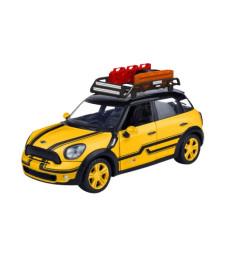 Mini Cooper S All4 Countryman, metallic-yellow/black with roof rack