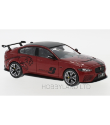 Jaguar XE SV Project 8, metallic-dark red