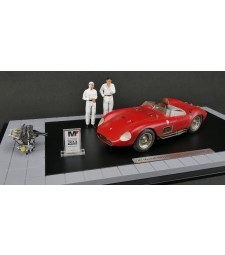 "Diorama Maserati 300S, 1956, ""Dirty Hero®"" including motor, 2 figures, miniaturized model award and showcase Limited edition of 770 pieces"