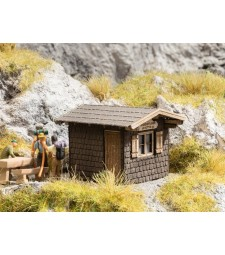 "Refuge ""Babenstuber Hut"" (4.6 cm x 3.7 cm, 3.2 cm high)"