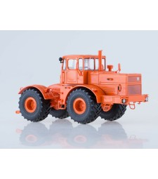 "K-701 ""Kirovets"" Tractor /orange/"