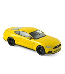 Ford Mustang Fastback 2015 - Yellow